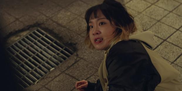 Tầng Lớp Itaewon tập 10: Ớn lạnh trước sự tàn nhẫn của kẻ thù Park Seo Joon, đẩy con vào tù để bảo vệ gia sản - Ảnh 1.