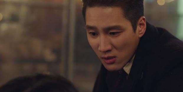 Bị bố ruột khai tử ở Tầng Lớp Itaewon tập 10, với Geun Won tình thương là thứ xa xỉ nhất trên đời! - Ảnh 1.
