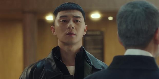 Tầng Lớp Itaewon tập 10: Ớn lạnh trước sự tàn nhẫn của kẻ thù Park Seo Joon, đẩy con vào tù để bảo vệ gia sản - Ảnh 11.