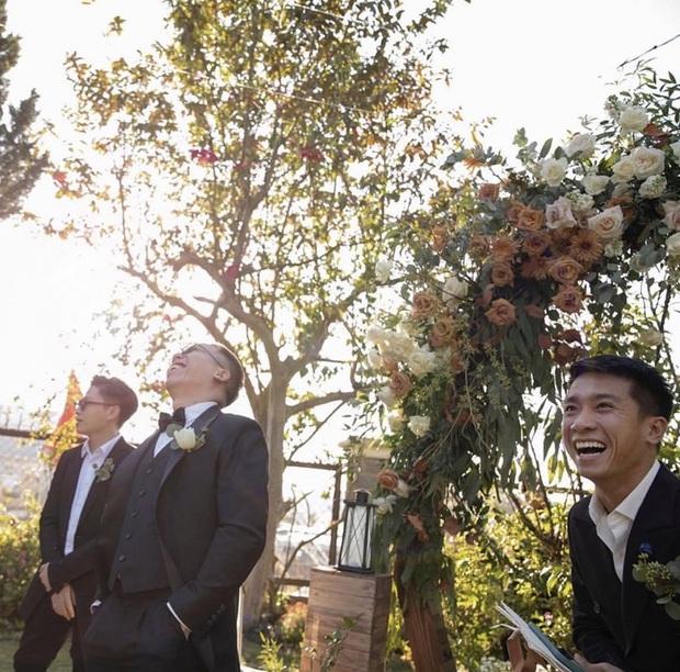 Loạt ảnh cực hiếm trong đám cưới Tóc Tiên - Hoàng Touliver cuối cùng cũng được hé lộ: Mọi khoảnh khắc hạnh phúc nhất đều có đủ! - Ảnh 4.