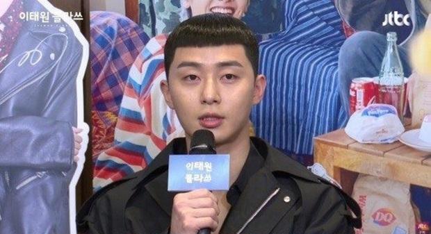 4 ngày cắt tóc 1 lần: Các giai đừng đu trend tóc Park Sae Ro Yi nữa vì chính chủ cũng đang khốn khổ vì nó đây này! - Ảnh 2.