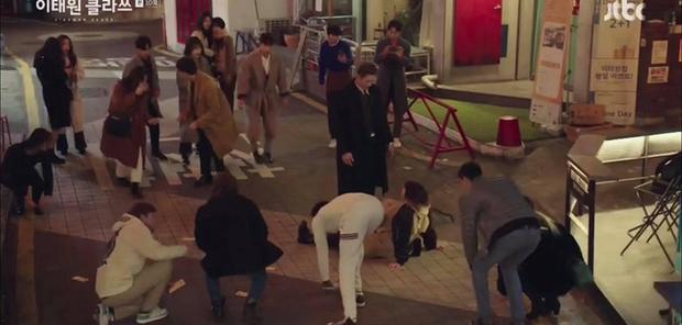 Điên nữ bị quý tử Jangga hành hung giữa đường ở tập 10 Tầng Lớp Itaewon, biên kịch đang nhây lòng kiên nhẫn của khán giả? - Ảnh 3.