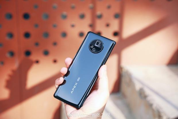Cận cảnh Vivo Apex 2020: Smartphone tới từ tương lai mà bạn không thể sở hữu - Ảnh 1.