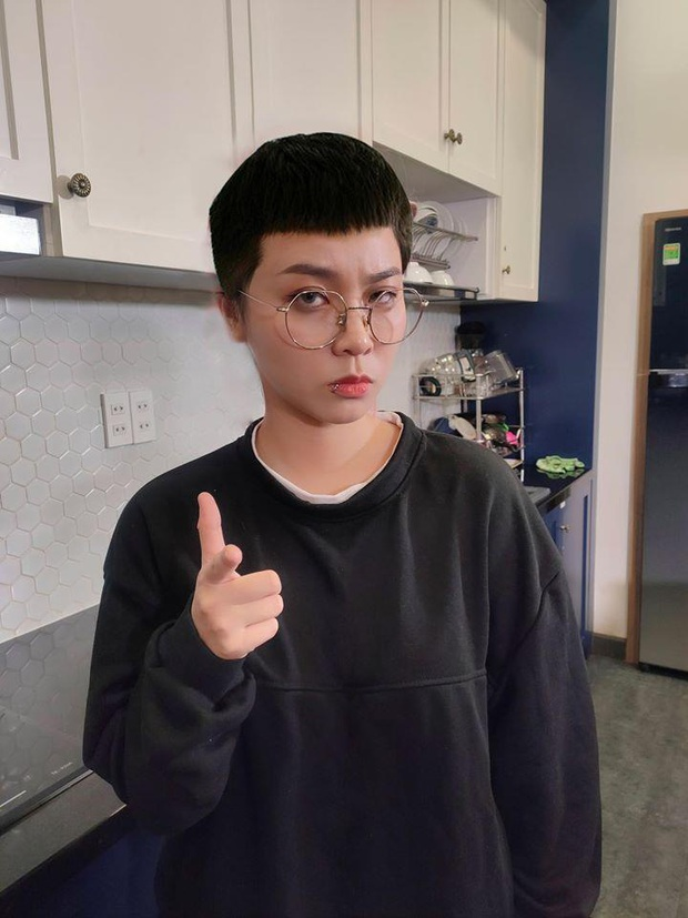 Theo trend Tầng lớp Itaewon, MisThy xuống tóc phong cách Park Seo-joon, đòi làm anh chủ của Linh Ngọc Đàm - Ảnh 2.