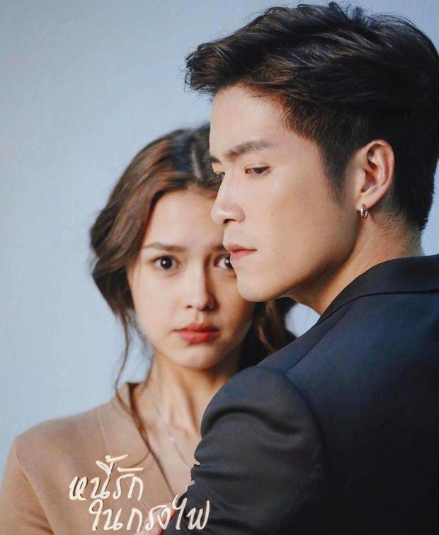4 cặp diễn viên Thái Lan giống nhau đến ngỡ ngàng: Từ Nữ Thần Rắn đến em gái quốc dân đều có bản song trùng? - Ảnh 5.