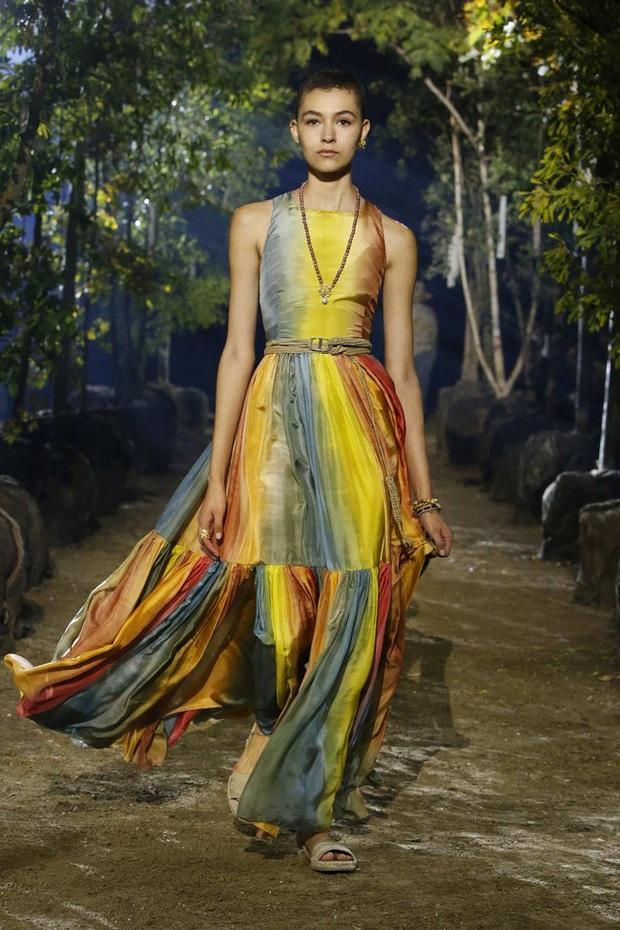 4 đại mỹ nhân châu Á đẹp xuất thần khi cùng diện váy của Dior, dân tình chắc cũng bó tay không tìm ra ai đỉnh nhất - Ảnh 5.