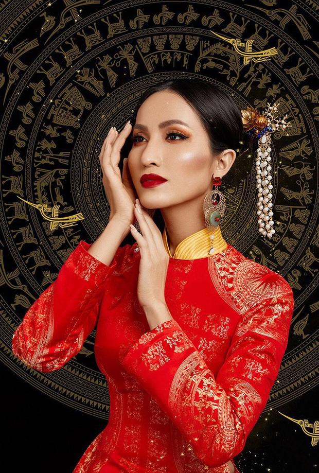 Hoài Sa diện áo đỏ rực, bất ngờ nhất là chi tiết áo giáp mang hình ảnh nữ quyền trên sân khấu Hoa hậu chuyển giới quốc tế 2020 - Ảnh 8.