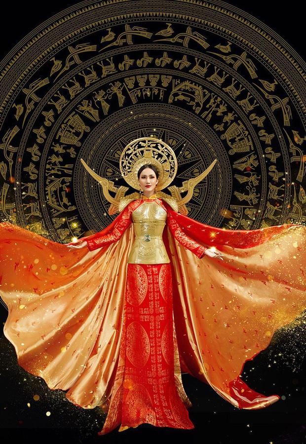 Hoài Sa diện áo đỏ rực, bất ngờ nhất là chi tiết áo giáp mang hình ảnh nữ quyền trên sân khấu Hoa hậu chuyển giới quốc tế 2020 - Ảnh 10.