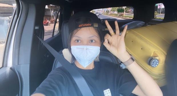 Đi ô tô 8 tiếng về Sài Gòn, H'Hen Niê vừa nghe nhạc Đen Vâu vừa ngắm khung cảnh đẹp ngút mắt, lại còn bonus thêm rất nhiều ảnh sống ảo - Ảnh 2.