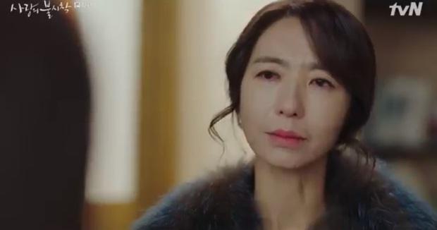 Luôn nghĩ rằng Son Ye Jin bị mẹ ghét bỏ ở Crash Landing On You, xem ngay tập 12 để thay đổi hẳn suy nghĩ - Ảnh 1.