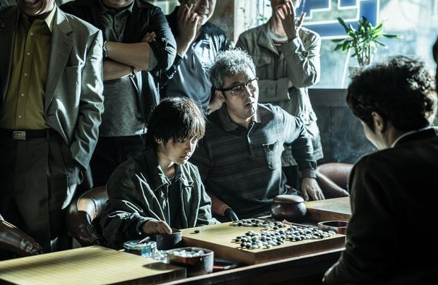 Review Ván Cờ Sinh Tử: Thiếu sâu sắc nhưng đủ giải trí, không biết chơi cờ vẫn thoải mái xem - Ảnh 5.