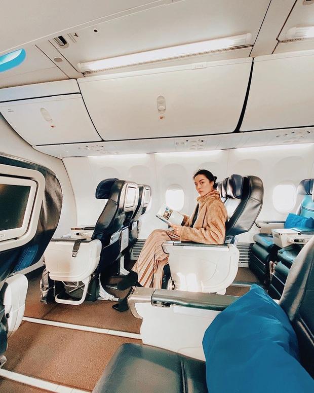 Những tips cực hay ho mà hội thích xê dịch cần note lại luôn và ngay nếu muốn có một giấc ngủ trên máy bay nhẹ tựa lông hồng - Ảnh 6.