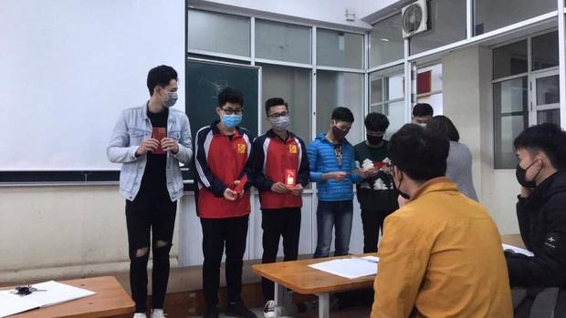 Không được nghỉ học tránh virus Corona, sinh viên Y - Công nghiệp khóc thét vì phải lên thành phố sớm, đeo khẩu trang cả ngày đi học - Ảnh 3.