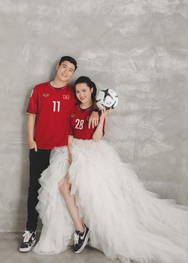 Bộ ảnh cưới cực độc của Duy Mạnh và Quỳnh Anh: Siêu ngọt, đầy tinh thần tuyển Việt Nam và ý nghĩa đặc biệt đằng sau đó - Ảnh 3.