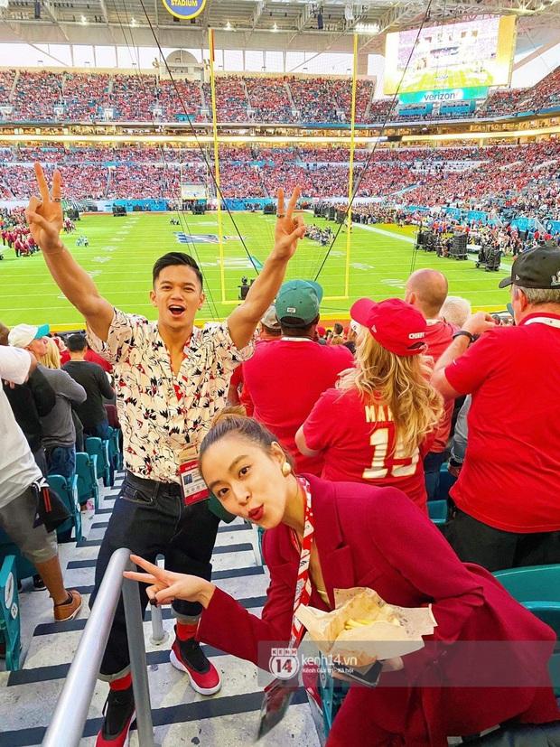 Hoàng Thùy Linh - Trọng Hiếu quẩy tới bến trước màn song ca huyền thoại của Jennifer Lopez và Shakira tại Super Bowl 2020 - Ảnh 5.