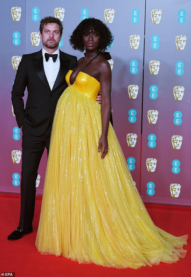 Thảm đỏ gây sốc BAFTAs: Góa phụ đen lấn át cả Công nương Anh, con gái Johnny Depp hở phản cảm bên dàn sao nữ thảm họa - Ảnh 19.