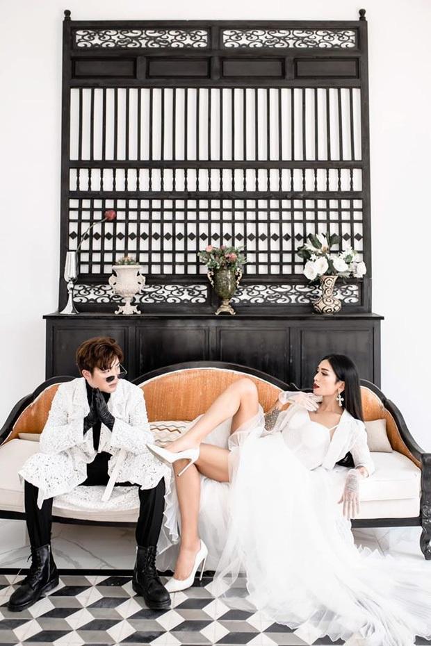 Thêm ảnh cưới kỷ niệm nửa thập kỷ yêu của BB Trần và bạn trai: Thánh lầy khoe chân dài tít tắp phái nữ còn ghen - Ảnh 6.