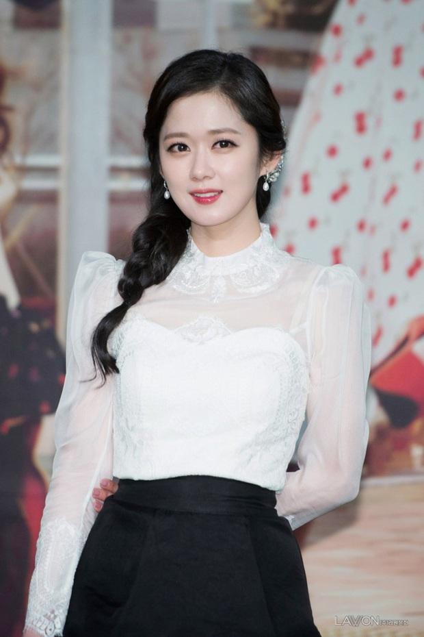 10 mỹ nhân Hàn tìm được suối nguồn trẻ mãi không già: Ai ngờ toàn U35-U40, chỉ có mỗi một idol lọt top giữa dàn diễn viên - Ảnh 1.
