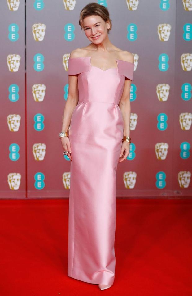 Thảm đỏ gây sốc BAFTAs: Góa phụ đen lấn át cả Công nương Anh, con gái Johnny Depp hở phản cảm bên dàn sao nữ thảm họa - Ảnh 21.