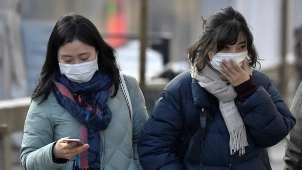 Hàn Quốc đóng cửa hàng trăm trường học để phòng tránh dịch bệnh viêm phổi cấp do virus corona - Ảnh 2.