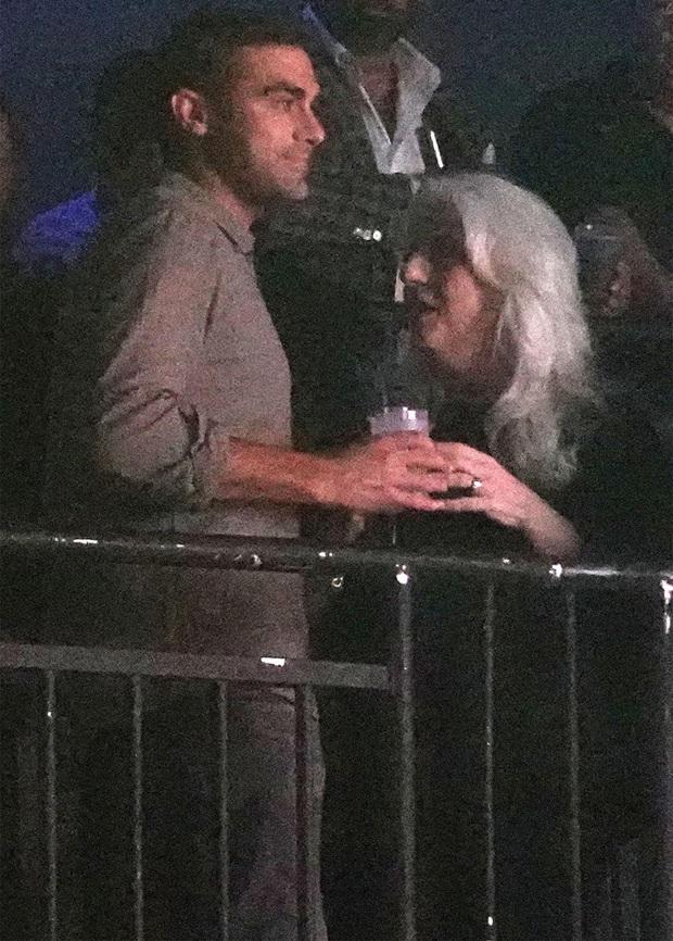 Không phải Bradley Cooper, Lady Gaga công khai khóa môi CEO công nghệ: Dân Harvard, giàu có lại còn bảnh bao! - Ảnh 6.