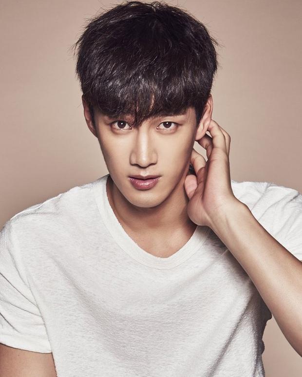 Dàn sao Itaewon Class: Park Seo Joon dính tin đồn yêu đồng tính, nữ thứ hot hơn cả nữ chính vì từng cặp kè Lee Jong Suk? - Ảnh 17.