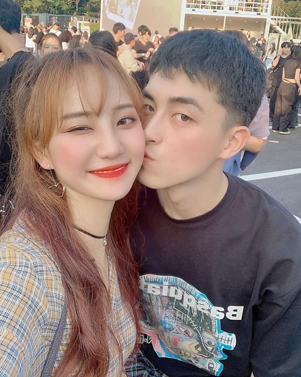 Tới sân xem Son Heung-min chơi bóng, cô nàng fan hâm mộ khiến dân tình ngỡ ngàng bởi gương mặt xinh đẹp, nụ cười tươi rói - Ảnh 9.