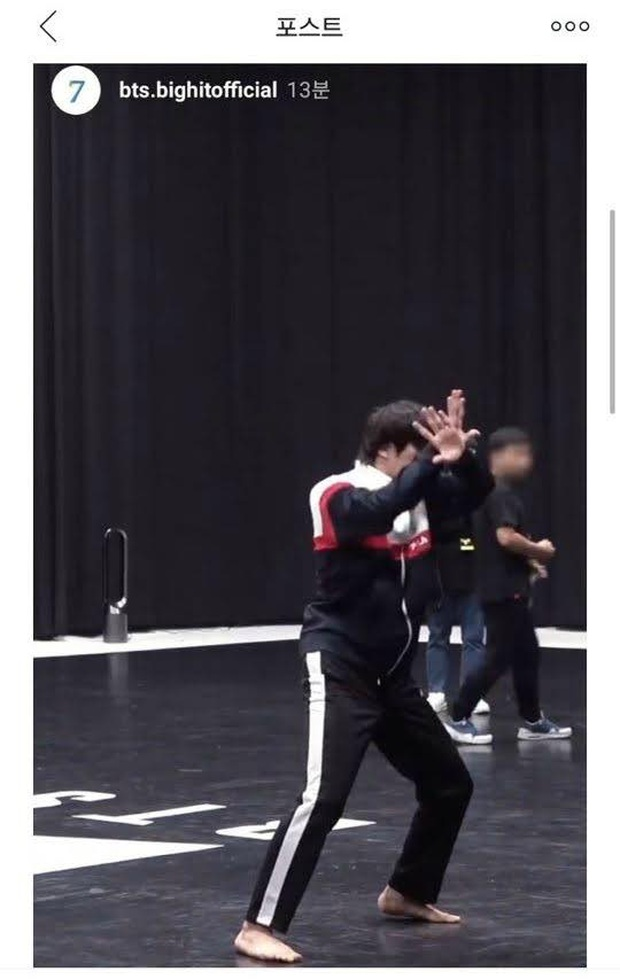 Jin (BTS) bỗng nhiên than thở Giày dép đúng là phát minh vĩ đại nhất của loài người, diễn Black Swan bằng chân trần hẳn là khó khăn lắm? - Ảnh 2.