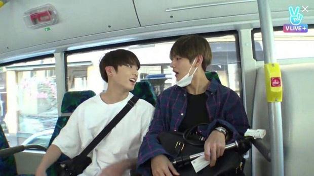 Loạt khoảnh khắc tình bể bình của bộ đôi mỹ nam V & Jungkook (BTS) khiến fan bấn loạn trên show thực tế! - Ảnh 11.