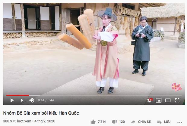 """Dàn sao Bố Già bỗng đồng loạt """"ném gỗ lên trời"""" trong vlog mới của Hari Won, hoá ra là chơi một trò bói đặc biệt của Hàn Quốc - Ảnh 1."""
