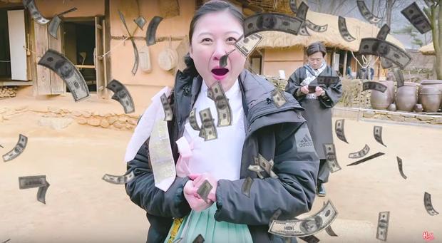 """Dàn sao Bố Già bỗng đồng loạt """"ném gỗ lên trời"""" trong vlog mới của Hari Won, hoá ra là chơi một trò bói đặc biệt của Hàn Quốc - Ảnh 4."""