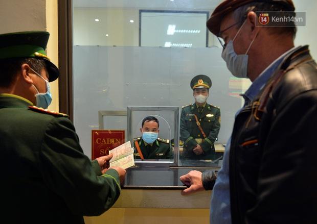 Chuyến tàu liên vận từ Trung Quốc vào Việt Nam chỉ với 2 người, một người bị từ chối nhập cảnh, một người được cách ly - Ảnh 8.