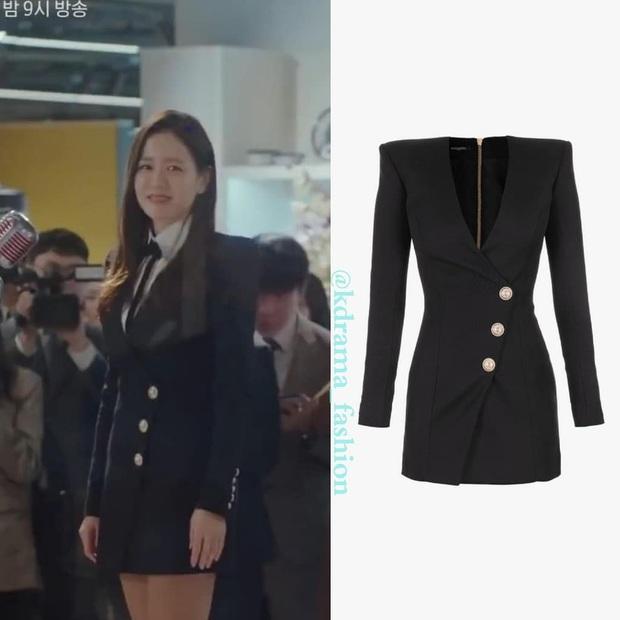 Màn lội ngược dòng đỉnh cao của Son Ye Jin: Diện váy sau Suzy, Yoona... vẫn đẹp xuất sắc dù phối đồ kín hơn hẳn - Ảnh 3.