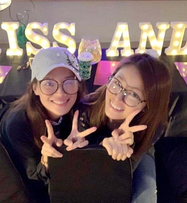 Hội chị em bạn dì tụ tập nhưng netizen chỉ chủ ý tới nhan sắc mặt mộc của Thư Kỳ lấn lướt Lâm Tâm Như - Ảnh 4.