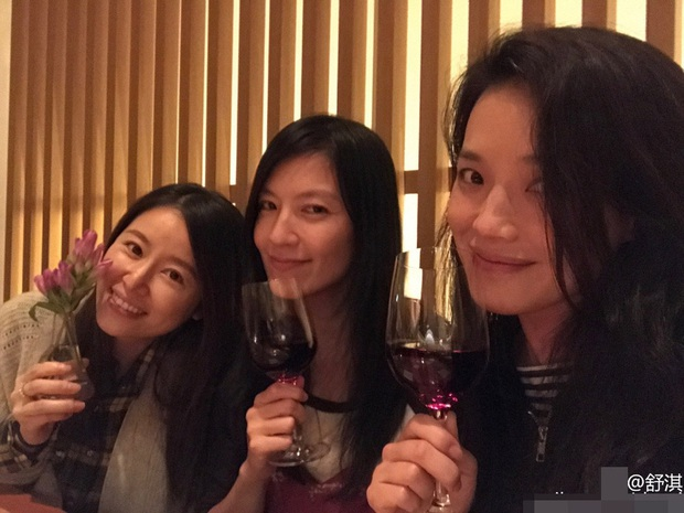 Hội chị em bạn dì tụ tập nhưng netizen chỉ chủ ý tới nhan sắc mặt mộc của Thư Kỳ lấn lướt Lâm Tâm Như - Ảnh 3.