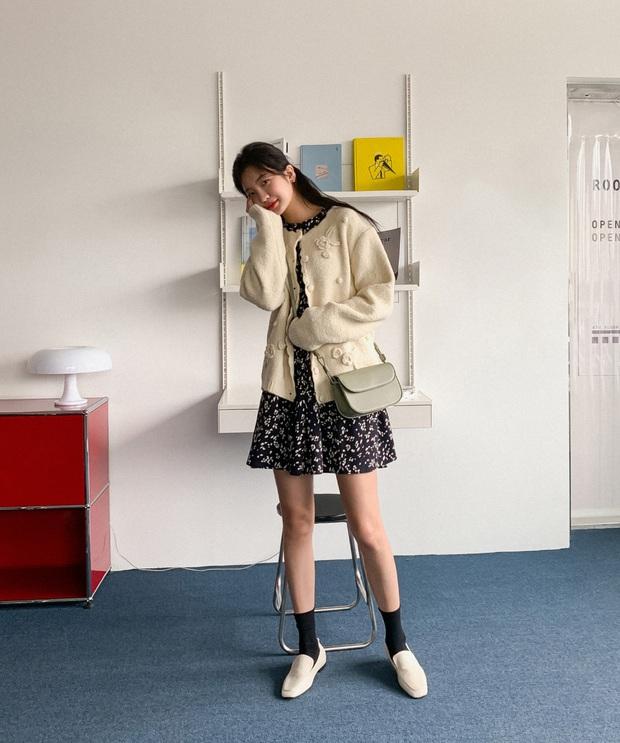 Có thể bạn không thích đu trend nhưng trước vẻ xinh xắn của 3 mẫu giày hot hit nhất Xuân này, nàng nào cũng sẽ muốn sắm vội - Ảnh 10.