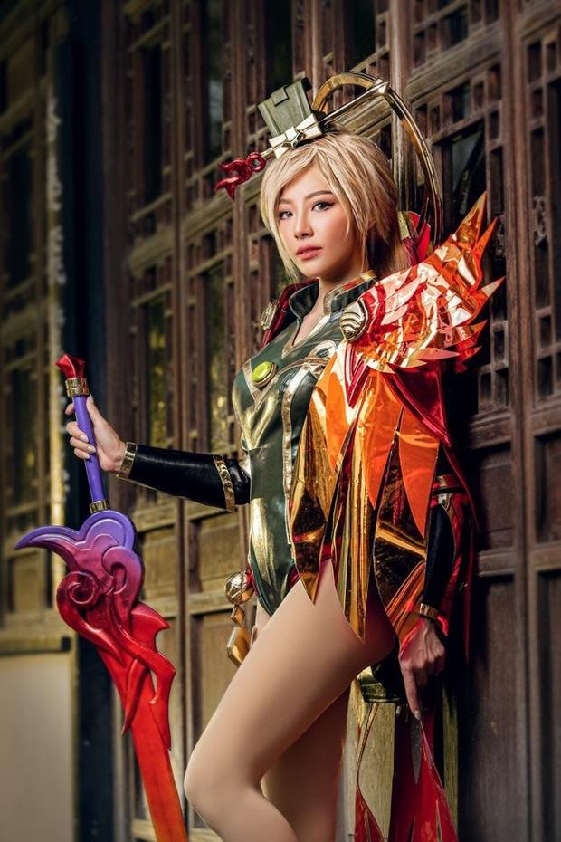 Bỏng mắt với bộ hình cosplay của nữ game thủ Liên Quân Mobile xứ Thái, Butterfly xinh thế này thì ai nỡ đánh - Ảnh 8.