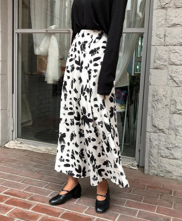 Có thể bạn không thích đu trend nhưng trước vẻ xinh xắn của 3 mẫu giày hot hit nhất Xuân này, nàng nào cũng sẽ muốn sắm vội - Ảnh 3.