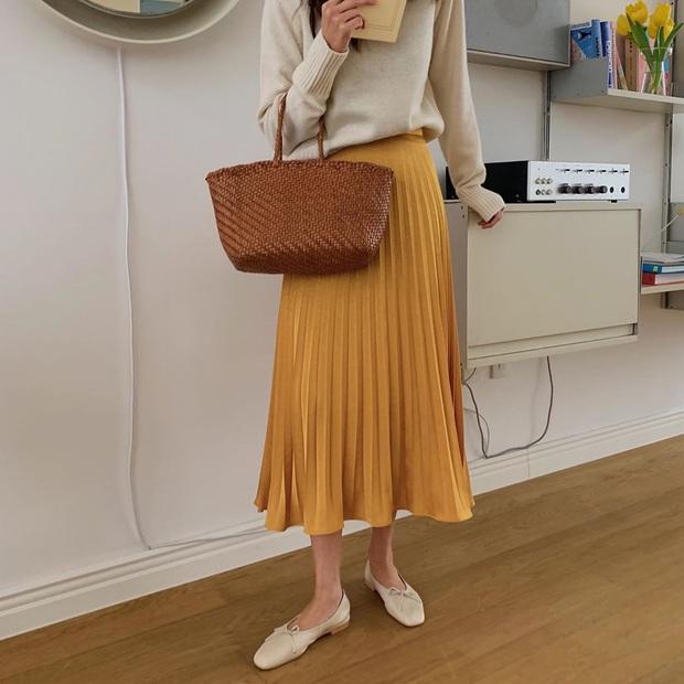 Có thể bạn không thích đu trend nhưng trước vẻ xinh xắn của 3 mẫu giày hot hit nhất Xuân này, nàng nào cũng sẽ muốn sắm vội - Ảnh 8.