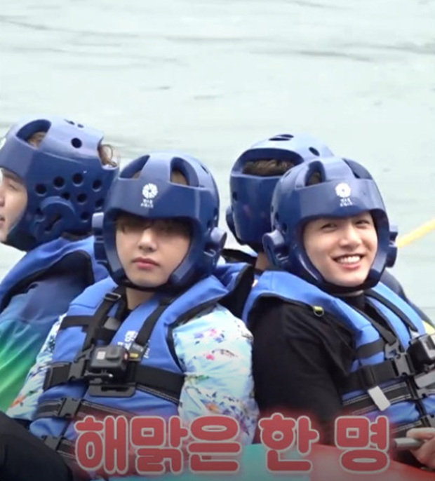 Loạt khoảnh khắc tình bể bình của bộ đôi mỹ nam V & Jungkook (BTS) khiến fan bấn loạn trên show thực tế! - Ảnh 9.