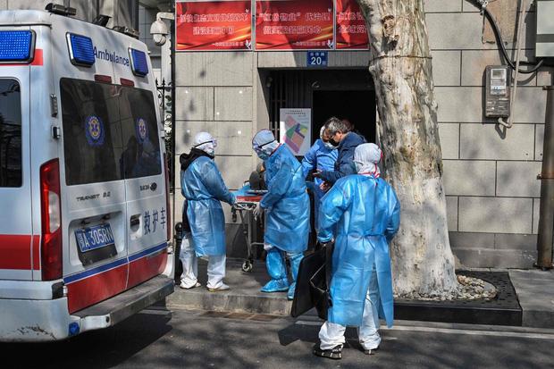 5 triệu người Vũ Hán bị truy tìm và cô lập trên chính đất nước mình vì mối hiểm họa virus corona - Ảnh 2.