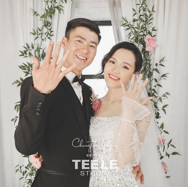 Ngắm trọn bộ ảnh cưới sang - xịn - mịn, đậm chất showbiz của cặp đôi Duy Mạnh - Quỳnh Anh, hé lộ luôn hình ảnh nhẫn cưới không như mọi người kì vọng - Ảnh 1.