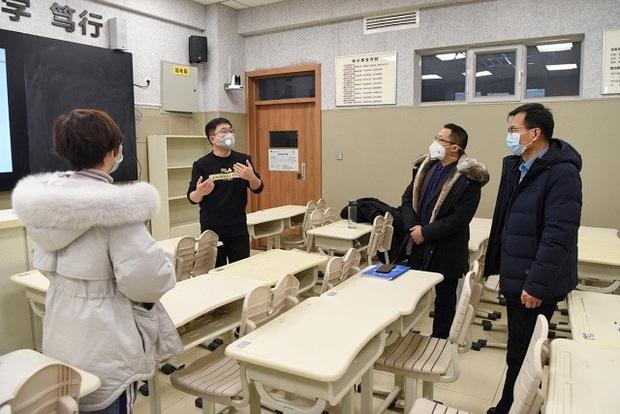 Giáo viên Trung Quốc nỗ lực dạy qua internet khi học sinh nghỉ học vì virus Corona - Ảnh 4.