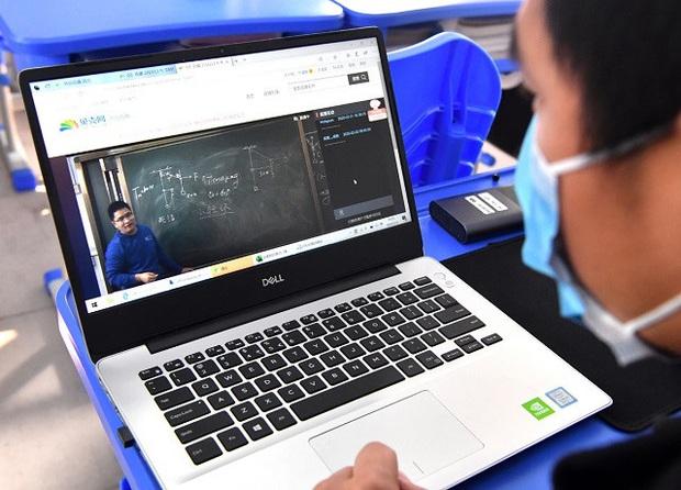 Giáo viên Trung Quốc nỗ lực dạy qua internet khi học sinh nghỉ học vì virus Corona - Ảnh 5.