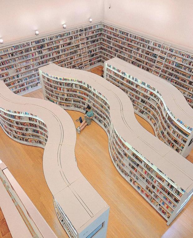 Quên những địa điểm check in đã quá quen thuộc đi, trend mới khi đến Singapore là phải sống ảo ở thư viện mới chuẩn nhé! - Ảnh 4.