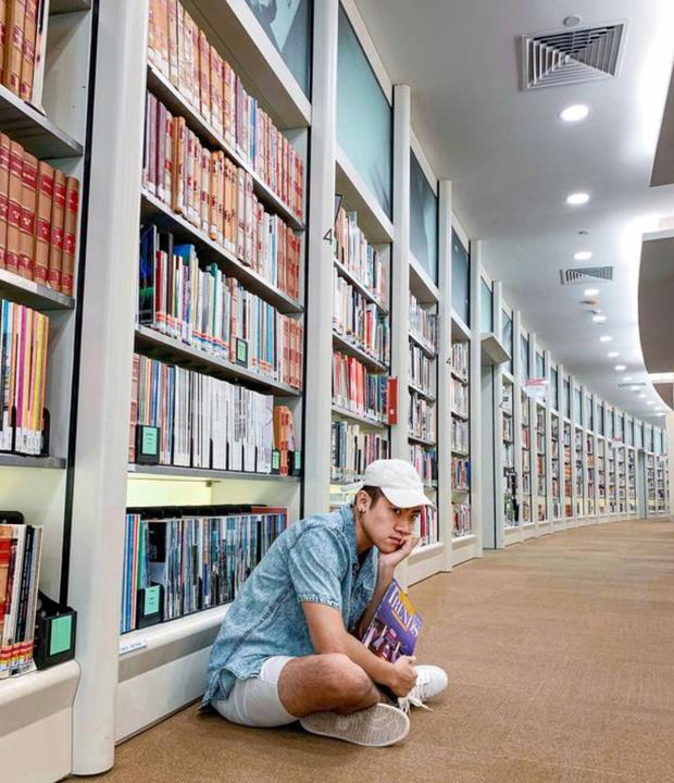 Quên những địa điểm check in đã quá quen thuộc đi, trend mới khi đến Singapore là phải sống ảo ở thư viện mới chuẩn nhé! - Ảnh 9.
