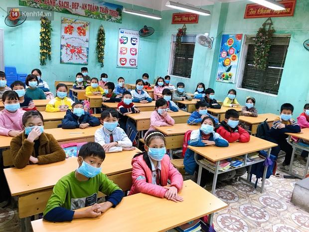 Nhiều phụ huynh ủng hộ quyết định cho học sinh nghỉ học để phòng dịch do virus Corona - Ảnh 2.