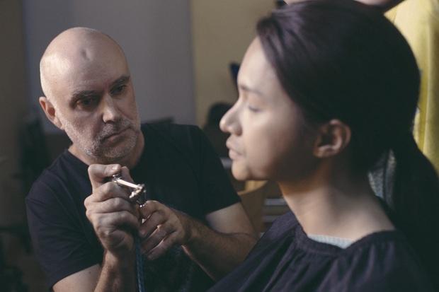 Hương Giang bạo tay mời hẳn chuyên gia makeup sừng sỏ Hollywood giúp chuyển giới ngược ở Sắc Đẹp Dối Trá - Ảnh 4.