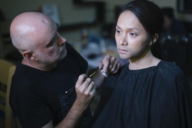 Hương Giang bạo tay mời hẳn chuyên gia makeup sừng sỏ Hollywood giúp chuyển giới ngược ở Sắc Đẹp Dối Trá - Ảnh 3.