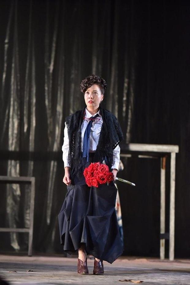 NSND Lê Khanh: Tượng đài nhan sắc một thời, quá nửa thời gian cuộc đời cống hiến cho sân khấu kịch - Ảnh 9.